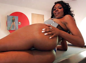 Super-hot ebony mummy Nyomi Banxxx..
